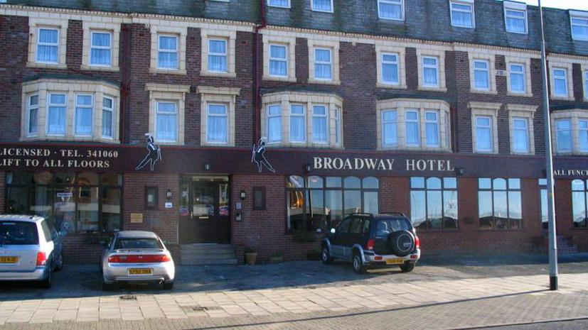 Британский отель оштрафовал посетителей на £100 за плохой отзыв на TripAdvisor