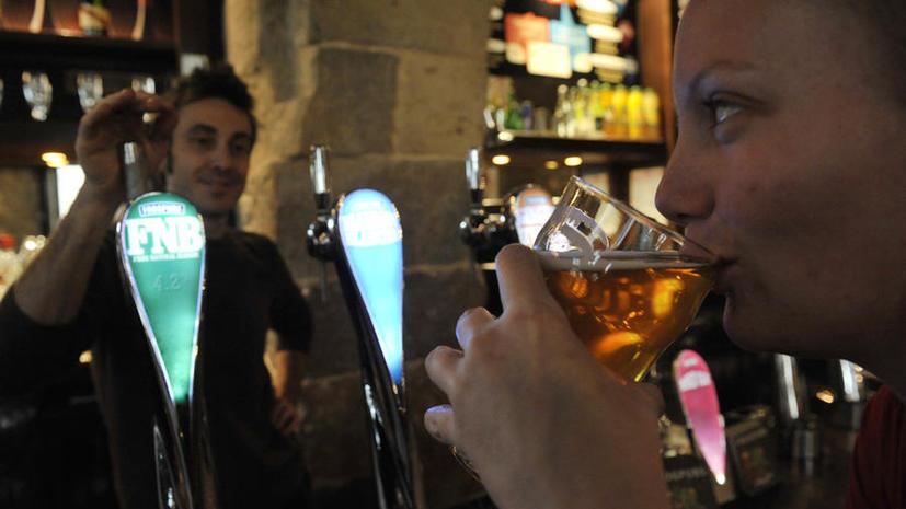 В пабах Великобритании может закончиться пиво