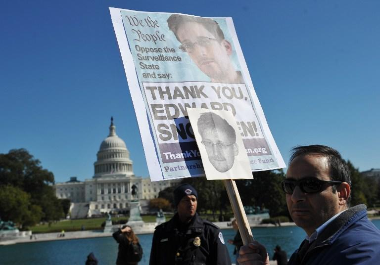Власти США и Великобритании опасаются, что у Эдварда Сноудена остались неопубликованные секретные материалы