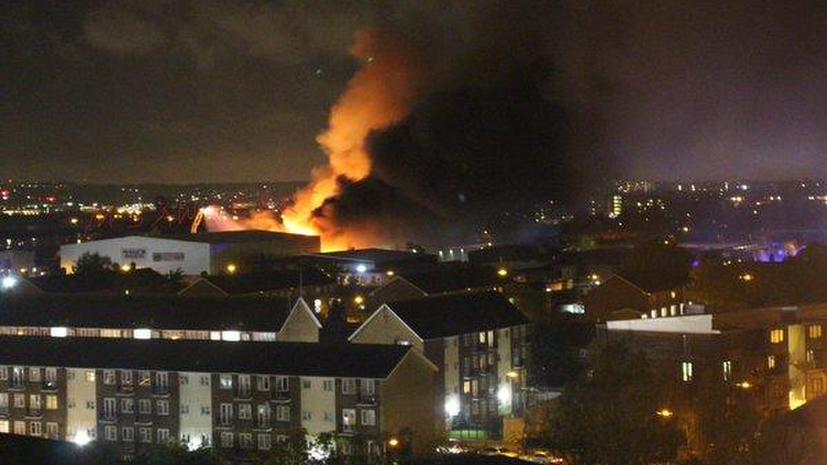 В Ночь костров в Лондоне произошёл крупный пожар