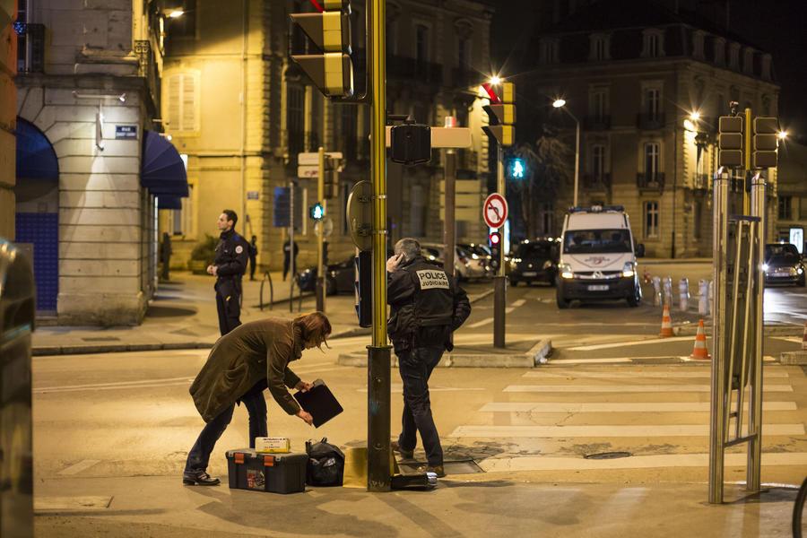 Во Франции исламист несколько раз протаранил на автомобиле пешеходов: пострадали 11 человек
