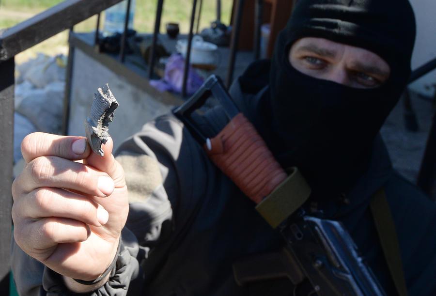 На окраине Славянска слышна стрельба из автоматического оружия, применена артиллерия