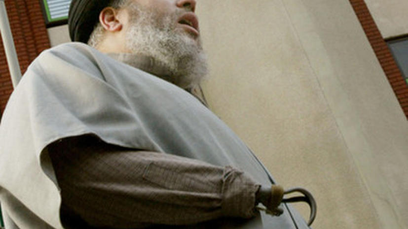 Агенты Госдепа доставили крюкорукого имама на суд в США