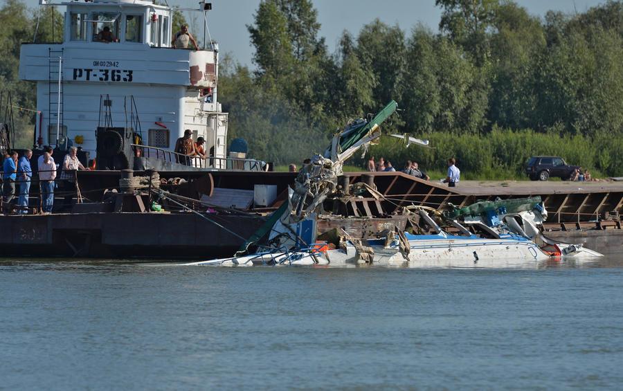 СКР: Капитан теплохода, столкнувшегося с баржей на Иртыше, задержан
