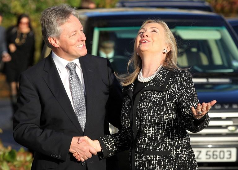 В Северной Ирландии Хиллари Клинтон ждали две бомбы