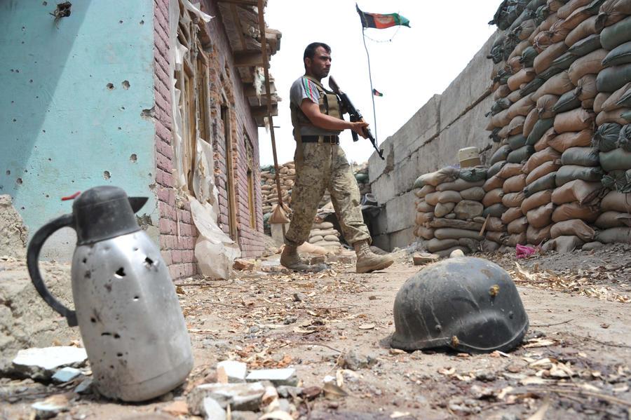 В результате авиаудара США по боевикам в Афганистане погибли пять полицейских