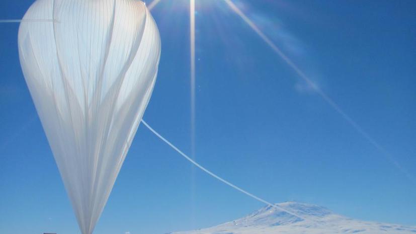 Воздушный зонд начал искать в Антарктике следы Большого Взрыва