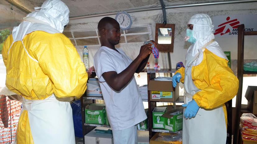 Либерия закрывает границы для предотвращения распространения лихорадки Эбола