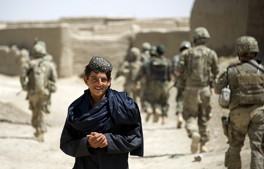 США впустую тратят в Афганистане миллиарды долларов
