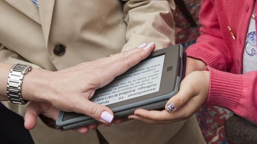 Посол США принесла присягу на Kindle