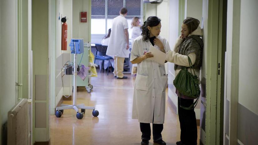 В Великобритании на вызов «скорой помощи» приехали медики-стажёры, пациентка скончалась, так и не получив лечение