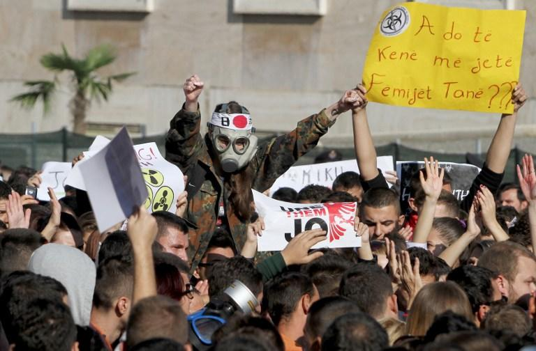 Албания не будет уничтожать сирийский зарин на своей территории