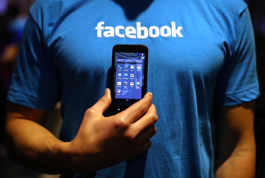 Facebook продемонстрировал сразу семь смартфонов с фирменной системой