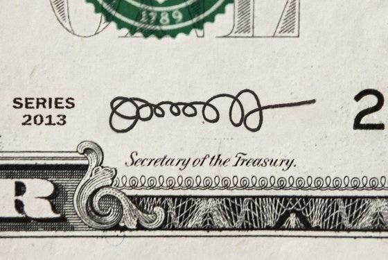 Подпись нового главы Минфина США, которая вскоре появится на долларах, испугала простых американцев