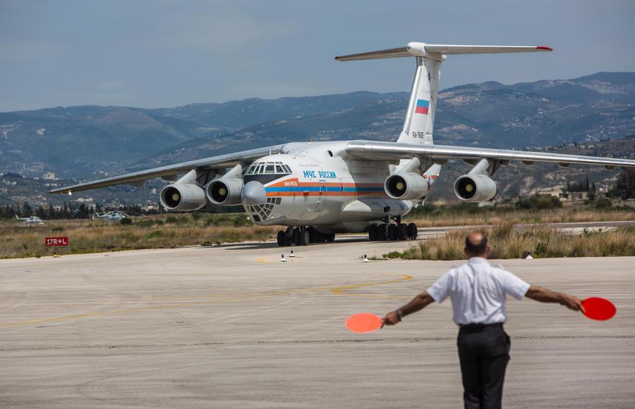 Более 160 российских спасателей будут помогать в поисках фрагментов лайнера AirAsia