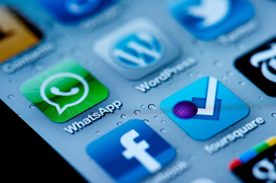 WhatsApp не продается, слухи о сделке с Google опровергнуты
