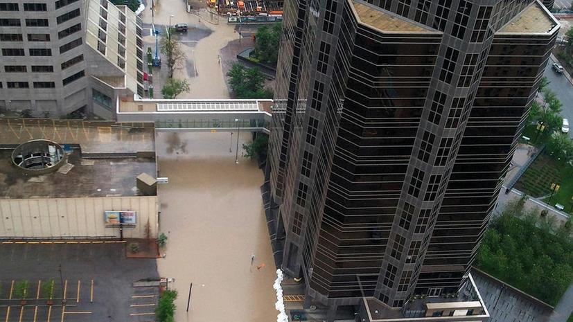 Наводнение в Торонто оставило более миллиона человек без света