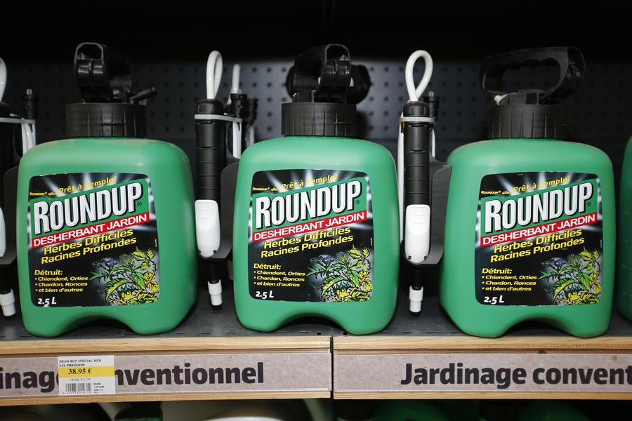 Евродепутаты просят комиссара ЕС по здоровью не одобрять использование глифосата Monsanto