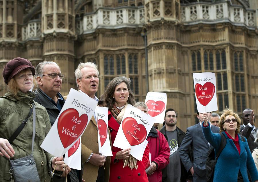 Палата общин Великобритании разрешила однополые браки