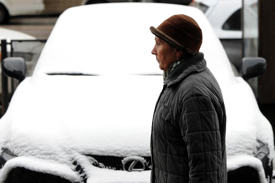Среди россиян резко упал спрос на иномарки