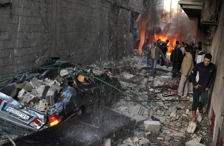 15 человек погибли, десятки ранены в результате двух взрывов в Хомсе