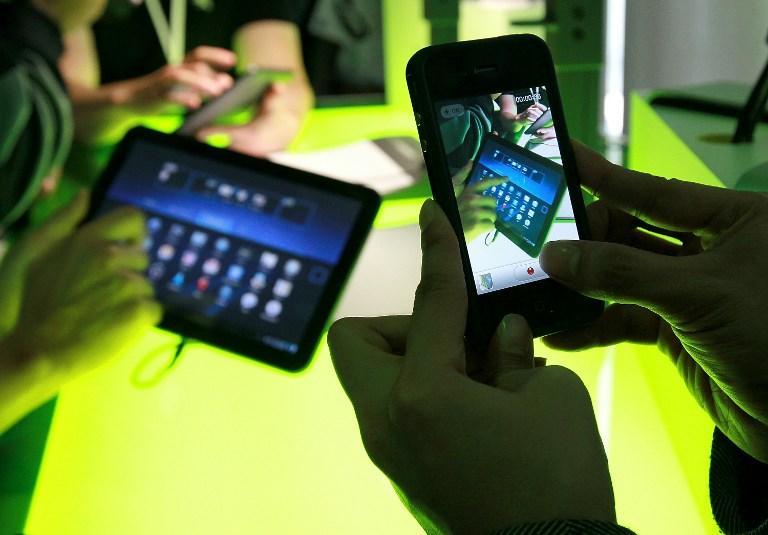 Android и iOS заложили слежку за пользователями в новые операционные системы