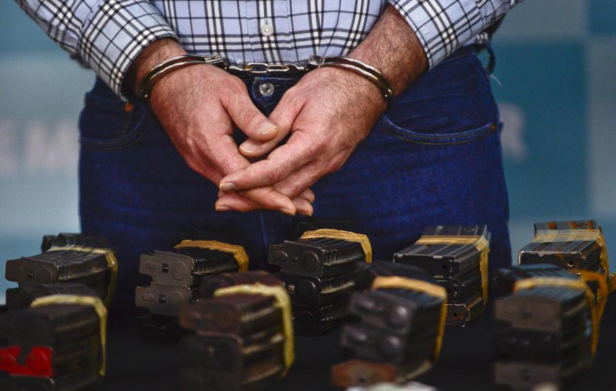 Мексиканская мафия покупает оружие у американцев