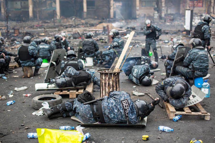 Кандидат в президенты Украины: Власти скрывают число погибших на Майдане правоохранителей