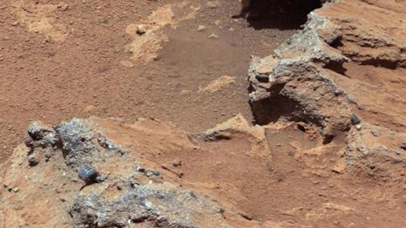 На Марсе обнаружены следы древнего озера