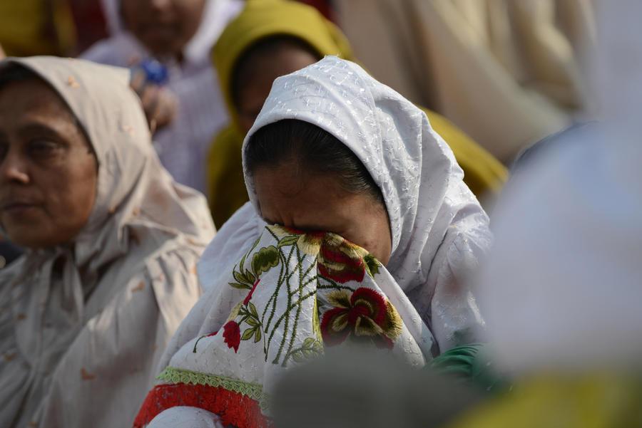 В давке на похоронной процессии в Мумбаи погибли 18 человек