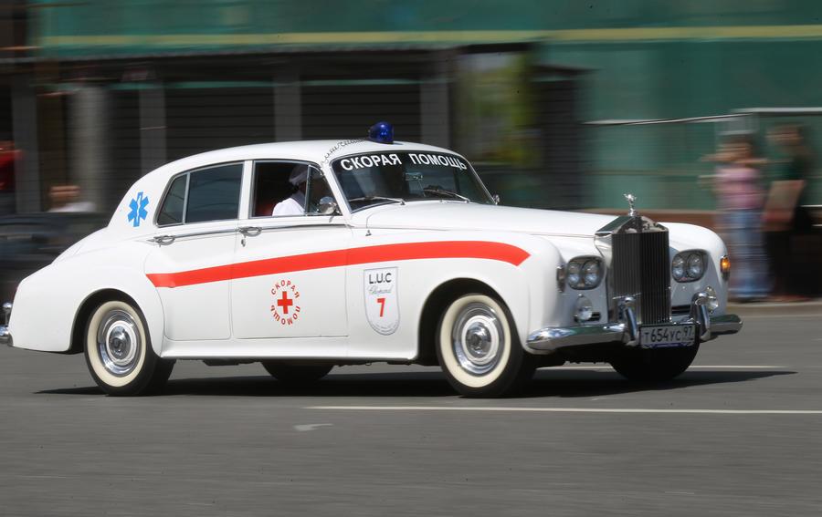ГИБДД начала рейд по выявлению VIP-такси, замаскированных под машины «скорой помощи»