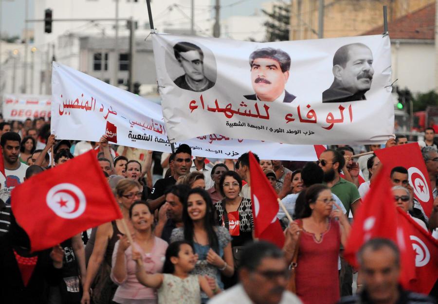 В Тунисе проходят массовые антиправительственные протесты