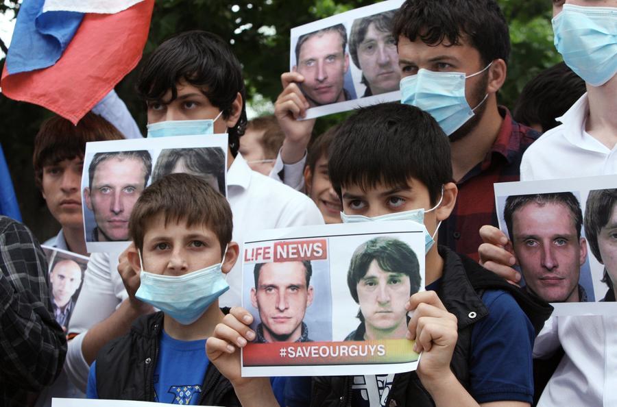 Адвокат: Все разумные сроки для задержания российских журналистов на Украине истекли