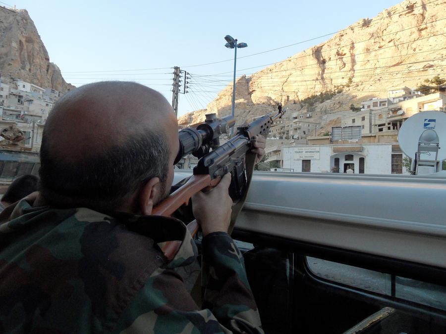 Сирийская церковь попросила мир помочь монастырю в Маалюле, который держат в осаде боевики