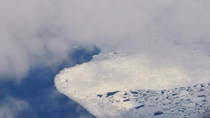 Кругосветная экспедиция на аквабайках прервалась в арктических льдах