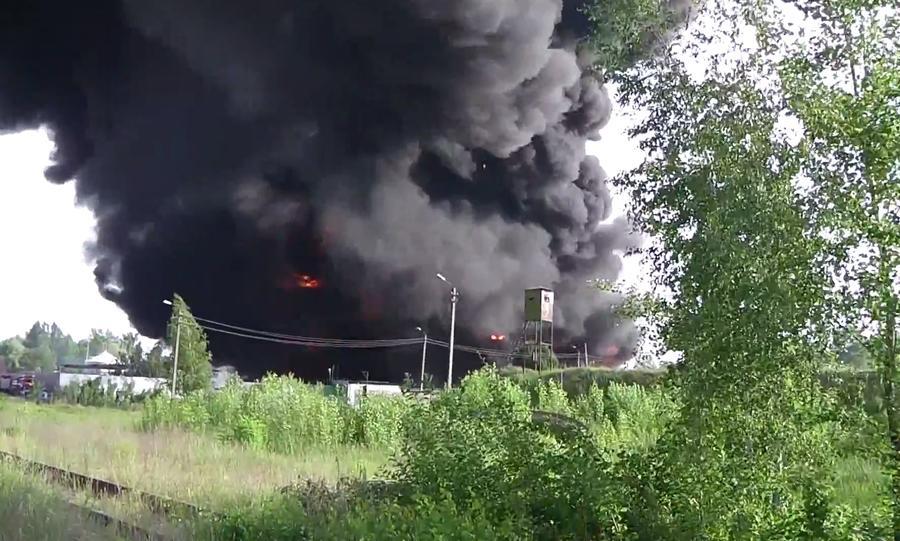 Эколог: Пожар в пригороде Киева может привести к отравлению тысяч человек
