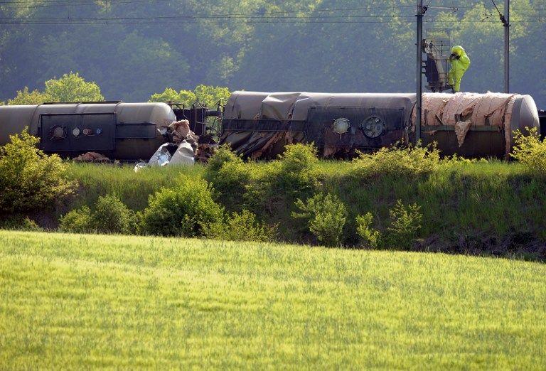 В США из-за аварии поезда с химикатами эвакуированы сотни человек