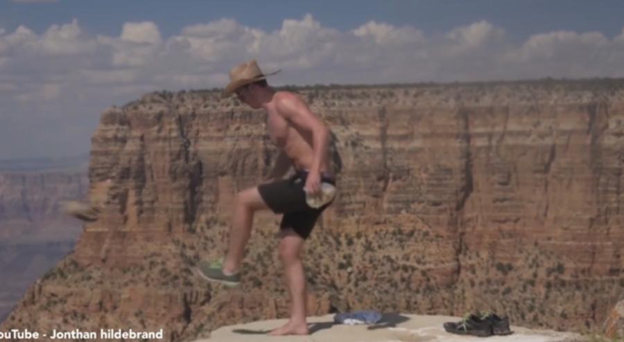 В США ищут мужчину, сбросившего белку в Большой каньон