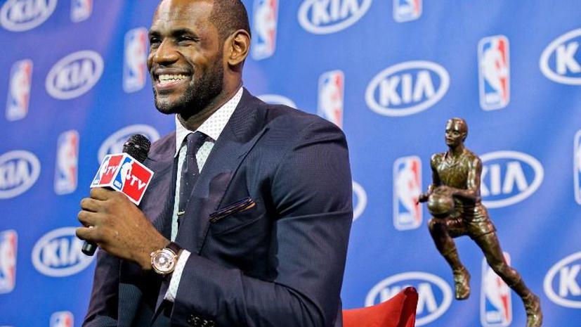 Леброн Джеймс признан самым полезным игроком регулярного чемпионата НБА