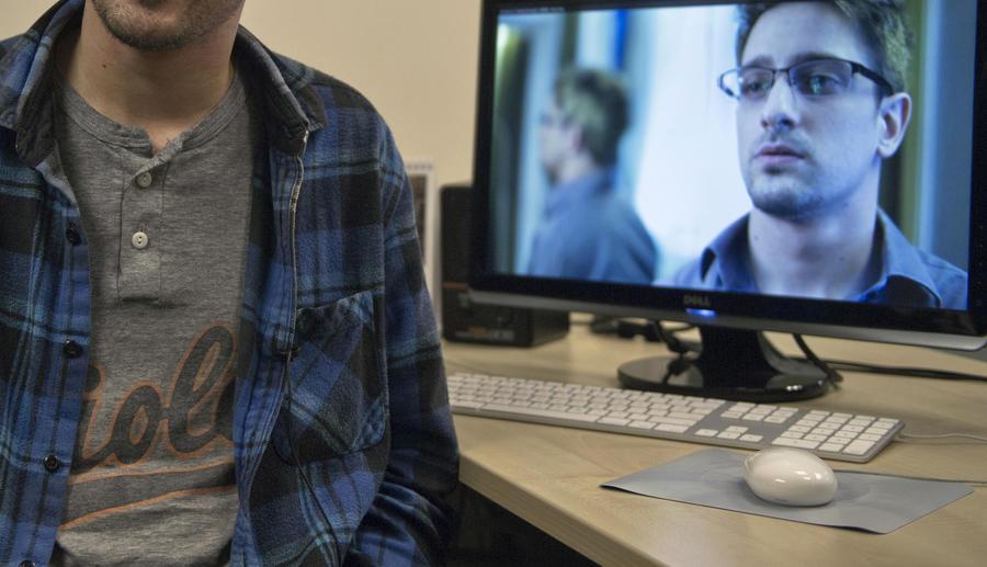 США готовы оформить Эдварду Сноудену новый паспорт