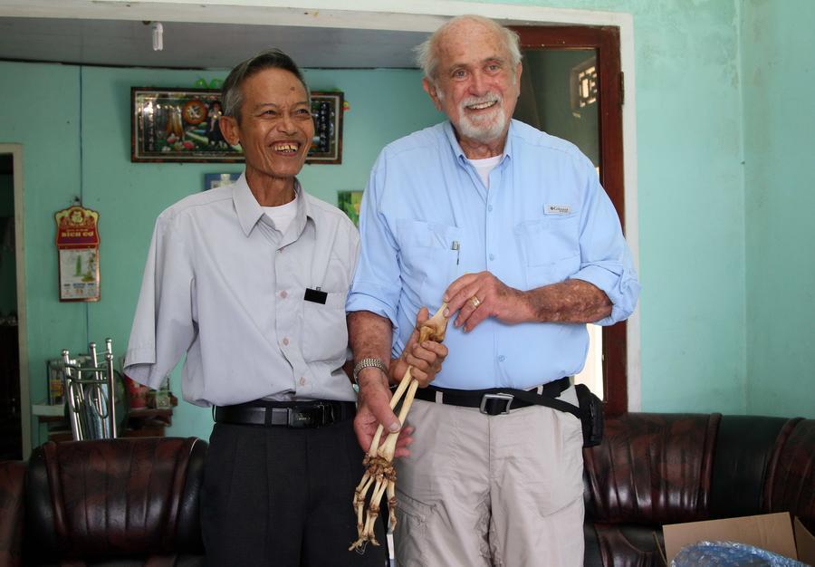 Вьетнамцу вернули отрезанную руку 40 лет спустя