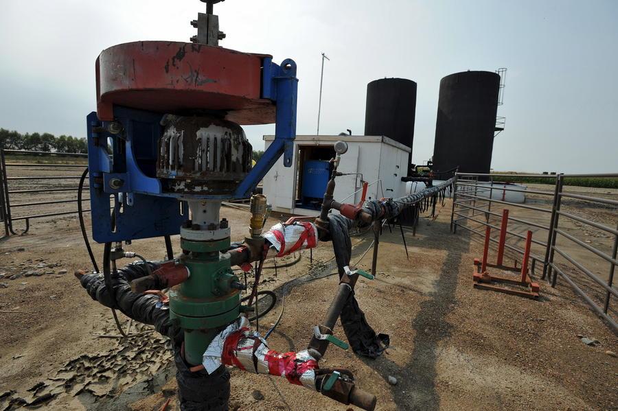 СМИ: НАТО защищает Турцию, чтобы сохранить поставки нефти ИГ для себя