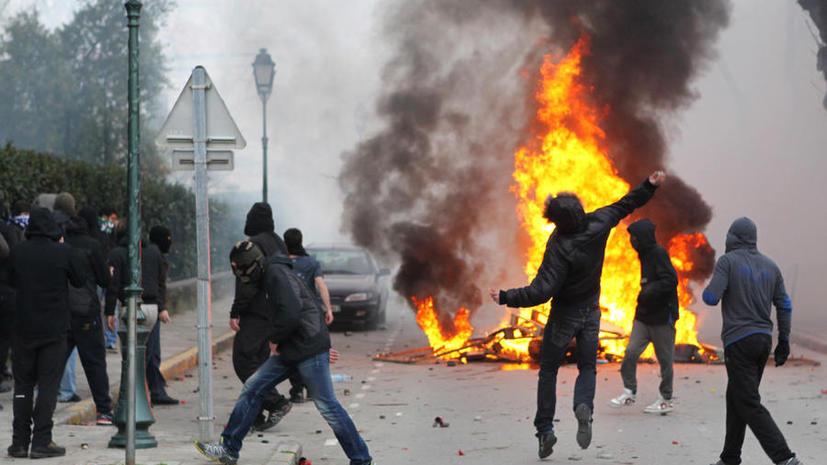Националисты на Корсике забросали полицейских «коктейлями Молотова», ранены 19 человек