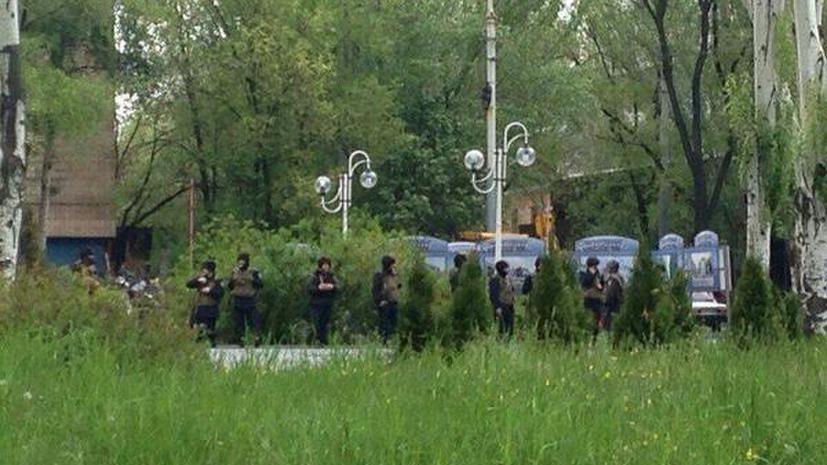 Очевидцы: Горсовет Мариуполя несколько раз переходил из рук в руки