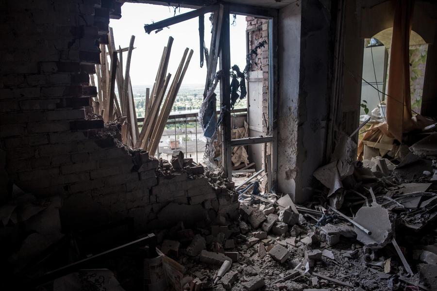 На Украине истекает срок объявленного перемирия, киевские силовики не прекращают обстрел мирных жителей и ополченцев