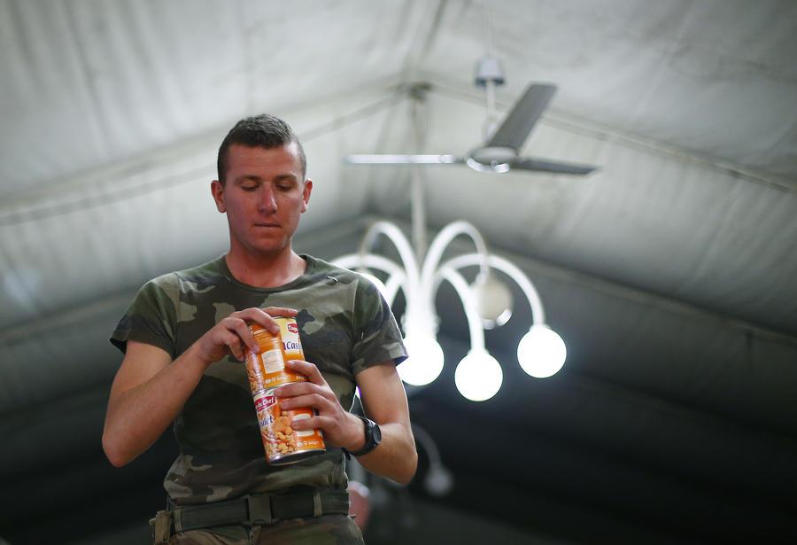 Сухие пайки, пожертвованные США украинской армии, продаются в интернете, а не попадают к солдатам