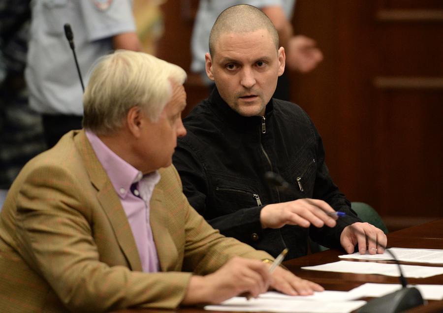 Сергей Удальцов и Леонид Развозжаев приговорены к 4,5 годам в колонии