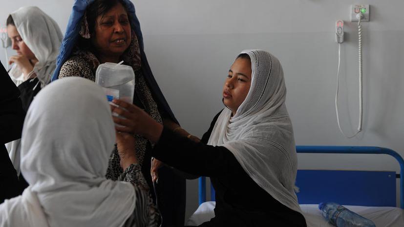 Неизвестный устроил газовую атаку на женскую школу в Афганистане: почти 100 учениц отравились