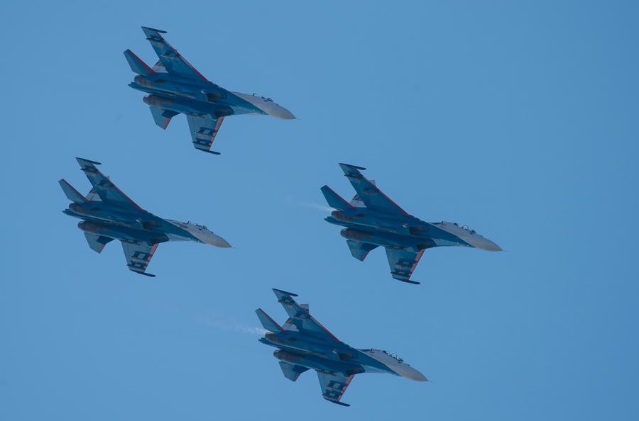 «Русские витязи» продемонстрируют высший пилотаж на праздновании Дня ВМФ в Балтийске