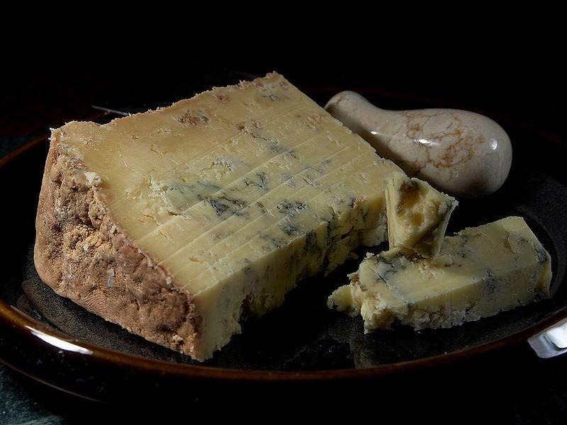 Китай наложил запрет на импорт британского сыра